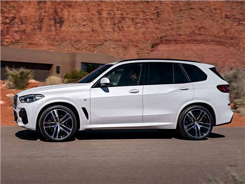 BMW X5 вид сбоку