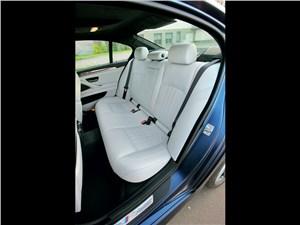 BMW M5 2011 задний диван