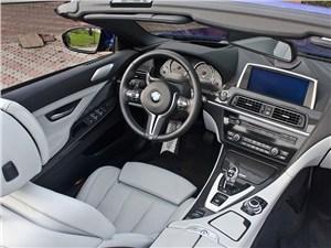 BMW M6 Cabrio 2012 водительское место