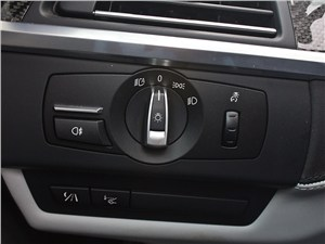 BMW M6 Cabrio 2012 управление светом