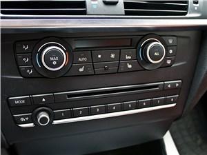 BMW X3 2010 стереосистема и управление климатом