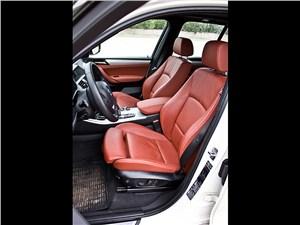 BMW X3 2010 передние кресла