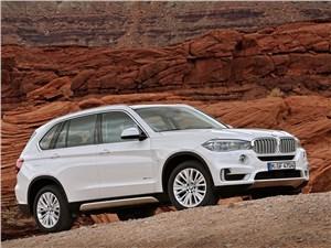Самые быстрые внедорожники могут поспорить со спорткарами (BMW X5, Mercedes-Benz ML-Klasse, Porsche Cayenne, Land Rover Range Rover, Land Rover Range Rover Sport, Volkswagen Touareg) X5 - BMW X5 2013 вид сбоку