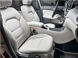 Mercedes-Benz B-Klasse передние кресла