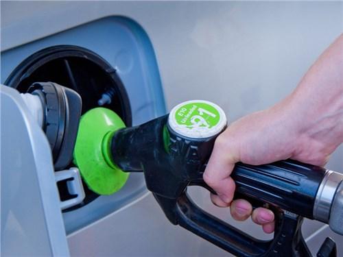 С 1 июля в РФ запрещена продажа бензина классом ниже Евро-5