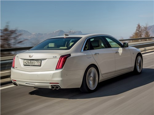 Cadillac CT6 2017 вид сзади