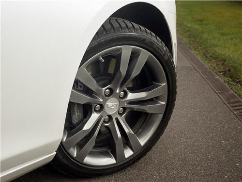 Cadillac CTS 2017 переднее колесо
