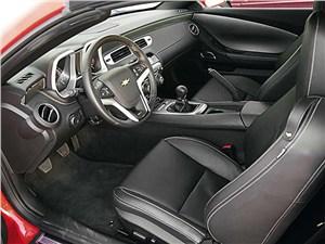 Chevrolet Camaro салон