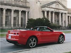 Chevrolet Camaro вид сзади