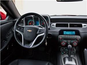 Предпросмотр chevrolet camaro 2012 водительское место