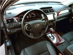 Toyota Camry 2012 водительское место