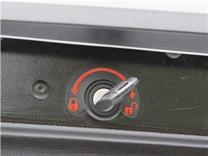 Chevrolet Captiva 2011 багажный бокс Thule Motion