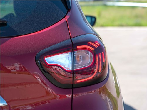 Renault Kaptur (2020) задний фонарь
