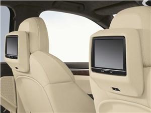 Предпросмотр porsche cayenne diesel 2011 мониторы в спинках кресел