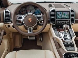 Porsche Cayenne S Diesel 2013 водительское место