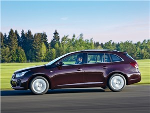 Chevrolet Cruze Station Wagon 2013 вид сбоку