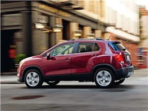 Chevrolet Tracker 2013 вид сбоку
