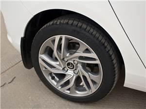 Citroen C4 2011 Семнадцатидюймовые колеса Phoenix