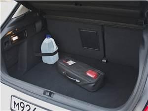 Citroen C4 2011 багажное отделение