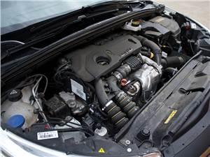 Citroen C4 2011 двигатель 1.6 HDi