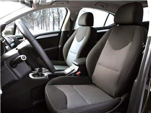 Citroen C4 sedan 2013 передние кресла