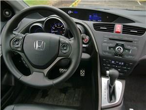 Предпросмотр honda civic 2012 водительское место