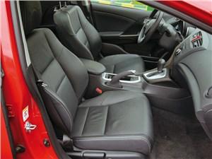 Honda Civic 2012 передние кресла