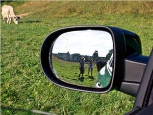 Предпросмотр renault clio rs 2010 зеркало заднего вида