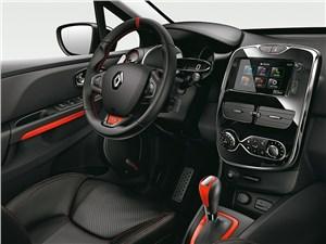 Renault Clio RS - Renault Clio RS 200 2013 водительское место