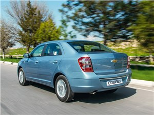 Chevrolet Cobalt 2013 вид сзади