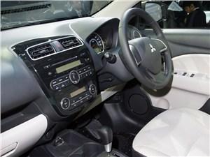 Европейский выбор. Часть II (Honda Jazz, Mazda 2, Mitsubishi Colt, Peugeot 207, Renault Clio, Suzuki Swift, Toyota Yaris) Colt - Mitsubishi Colt 2013 водительское место