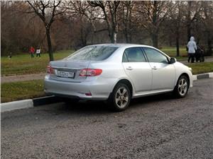 Toyota Corolla 2010 вид сзади