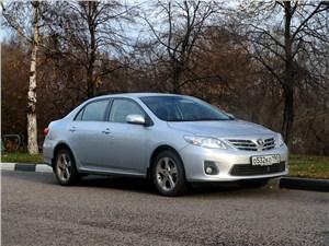 Toyota Corolla 2010 вид спереди
