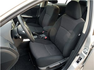 Toyota Corolla 2010 передние кресла