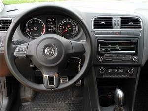 Volkswagen Cross Polo 2010 водительское место