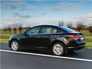 Chevrolet Cruze 2013 вид сбоку