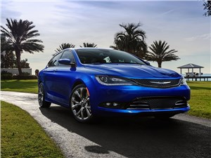 Предпросмотр chrysler 200 2014 вид спереди фото 1