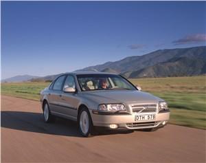 Предпросмотр volvo s80 2000 в динамике на грунтовой дороге