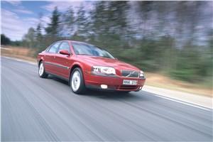 Предпросмотр volvo s80 2000 в динамике на шоссе фото 2
