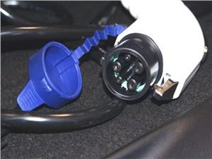 Предпросмотр mitsubishi i-miev 2009 разъем кабеля для зарядки
