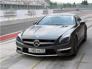 Mercedes-Benz SL-Class AMG - Mercedes-Benz SL63 AMG в ходе рестайлинга получил светодиодные дневные ходовые огни
