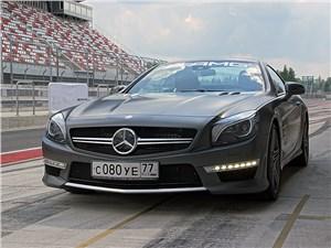 Mercedes-Benz SL-Class AMG - Mercedes-Benz SL63 AMG с закрытой крышей