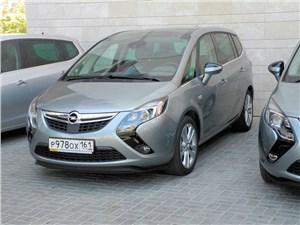 Новый Opel Zafira - Opel Zafira Tourer 2012 вид спереди слева фото 2