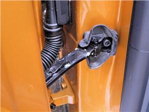 Предпросмотр seat ibiza 2012 шарнир ограничителя открывания двери