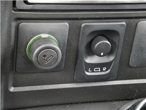 Предпросмотр chevrolet niva 2009 прикуриватель и джойстик управления наружными зеркалами