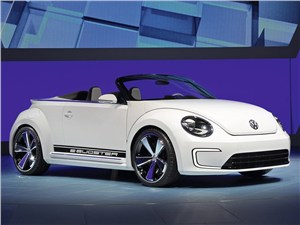 Новый Volkswagen New Beetle - Volkswagen E-Bugster Speedster 2012 вид спереди