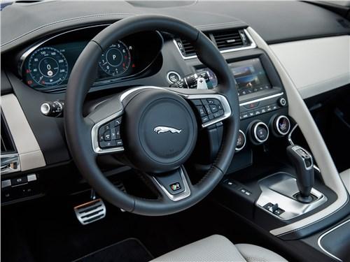 Предпросмотр jaguar e-pace 2018 водительское место