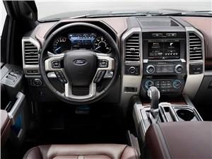 Предпросмотр ford f-150 2014 водительское место