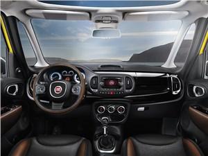 Fiat 500L Trekking 2014 салон