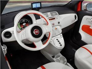Fiat 500e - FIAT 500e 2013 водительское место